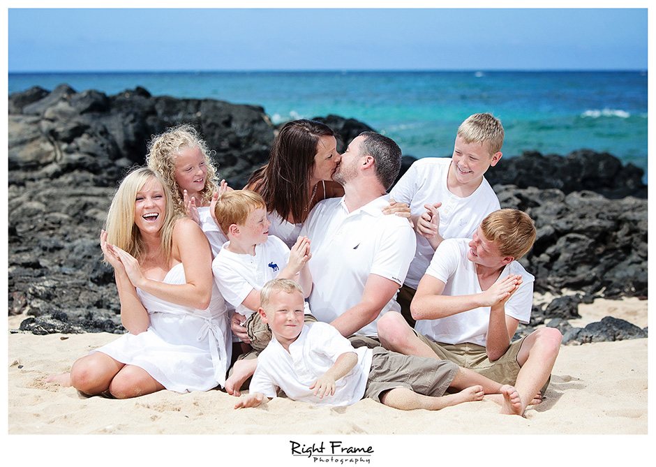 Family photographer Oahu Right Frame