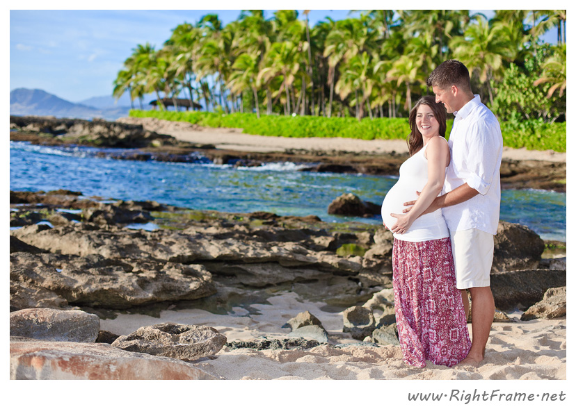 001_honolulu_maternity_Photography_secret_Beach