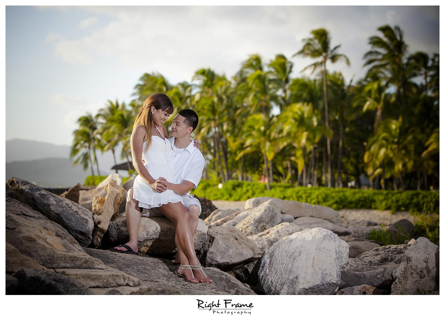 003_honolulu_engagement_photographers