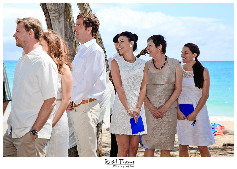 004_Hawaii_Wedding_Photographers_Oahu_Waimanalo_Beach
