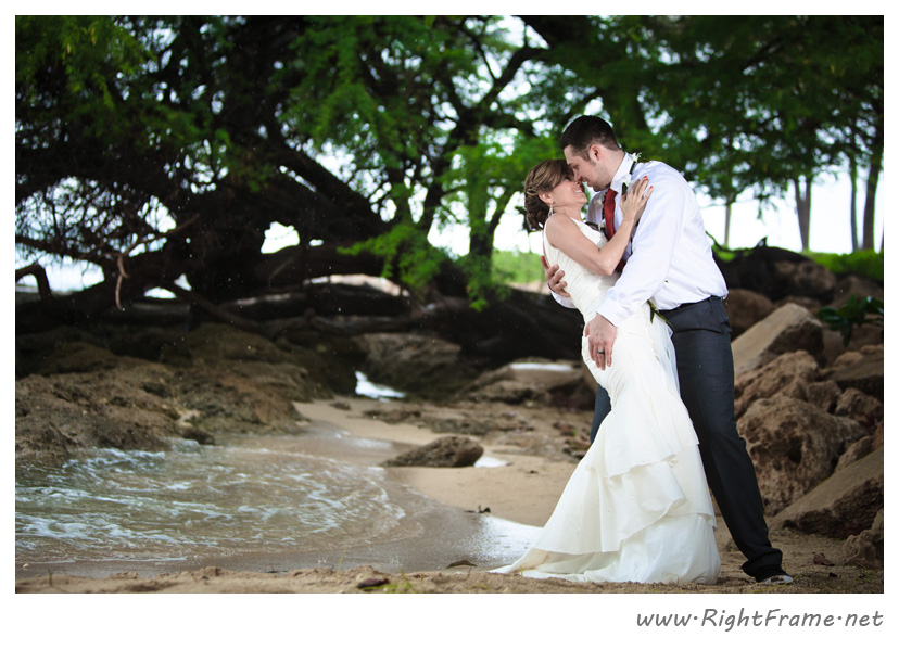 011_Oahu_wedding_Photographers_Paradise_cove