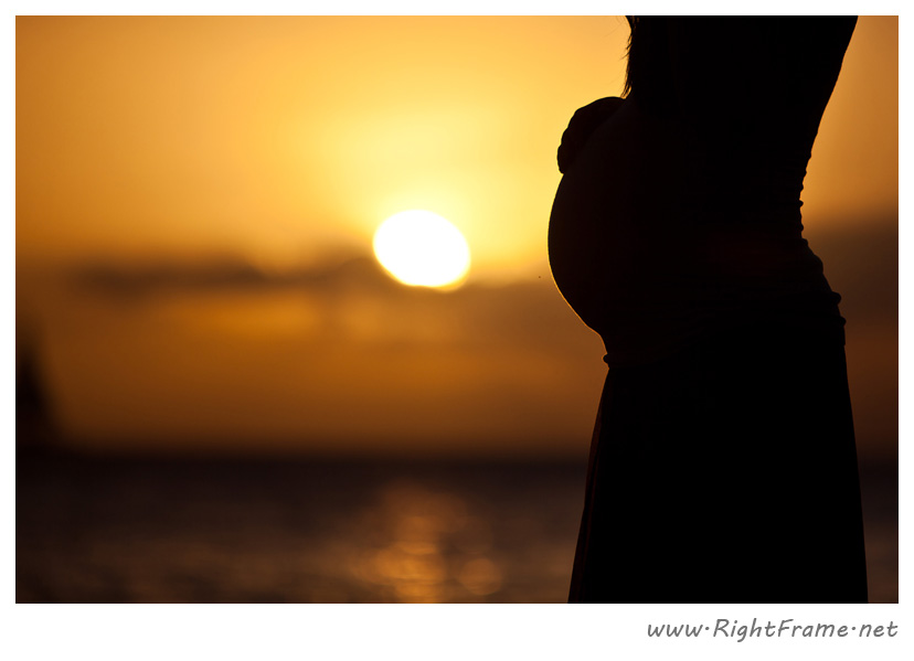 012_honolulu_maternity_Photography_secret_Beach