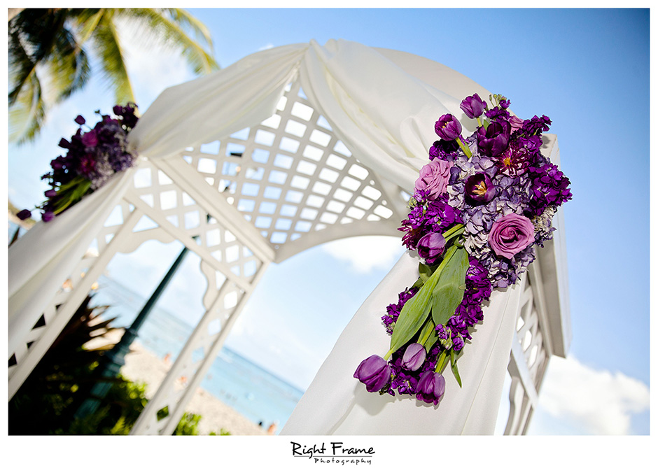 015_Hawaii_Wedding_Photographers_Oahu_moana_surfrider