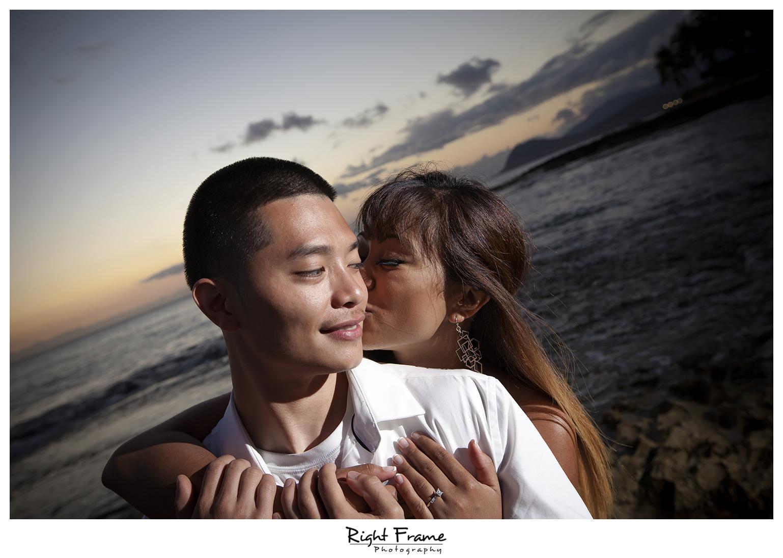 015_honolulu_engagement_photographers