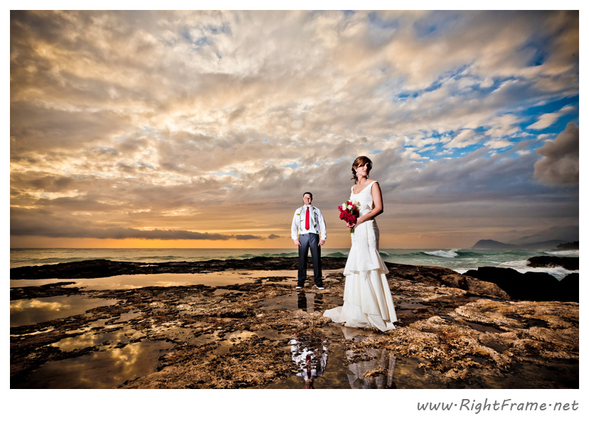 016_Oahu_wedding_Photographers_Paradise_cove