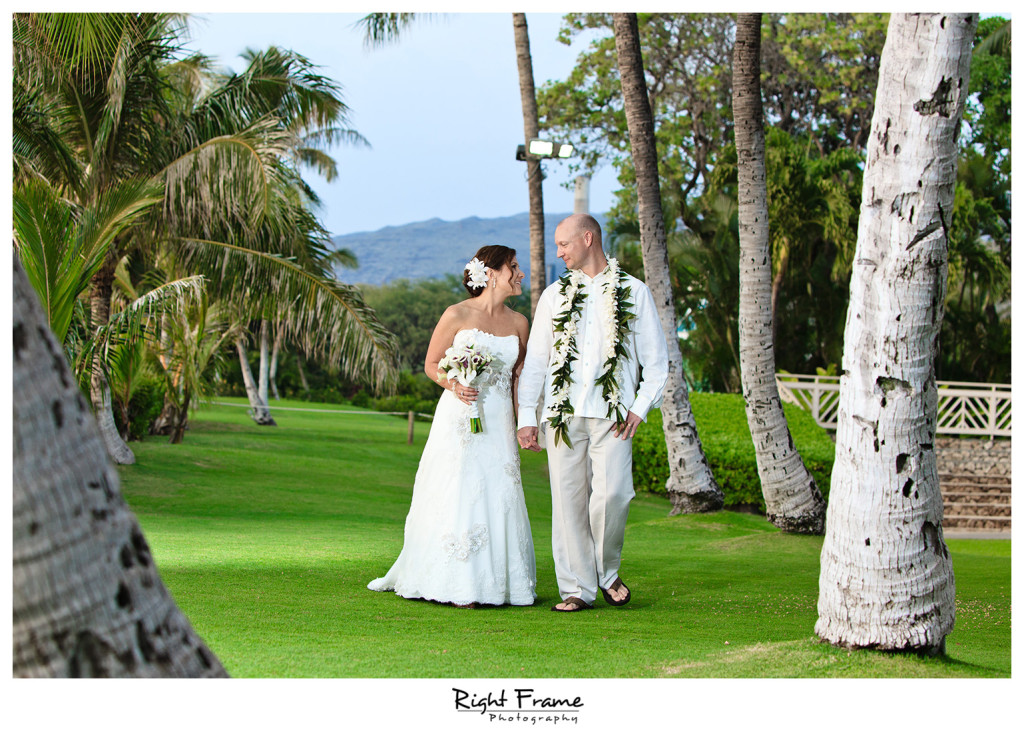 018_Oahu_wedding_photographers_Paradise_cove_