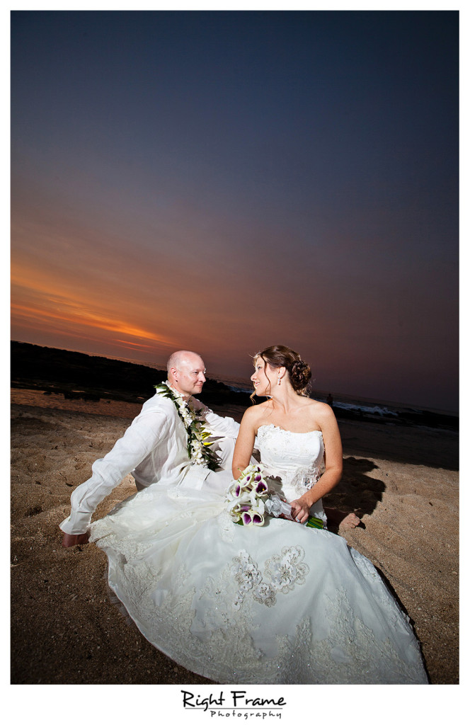 021_Oahu_wedding_photographers_Paradise_cove_