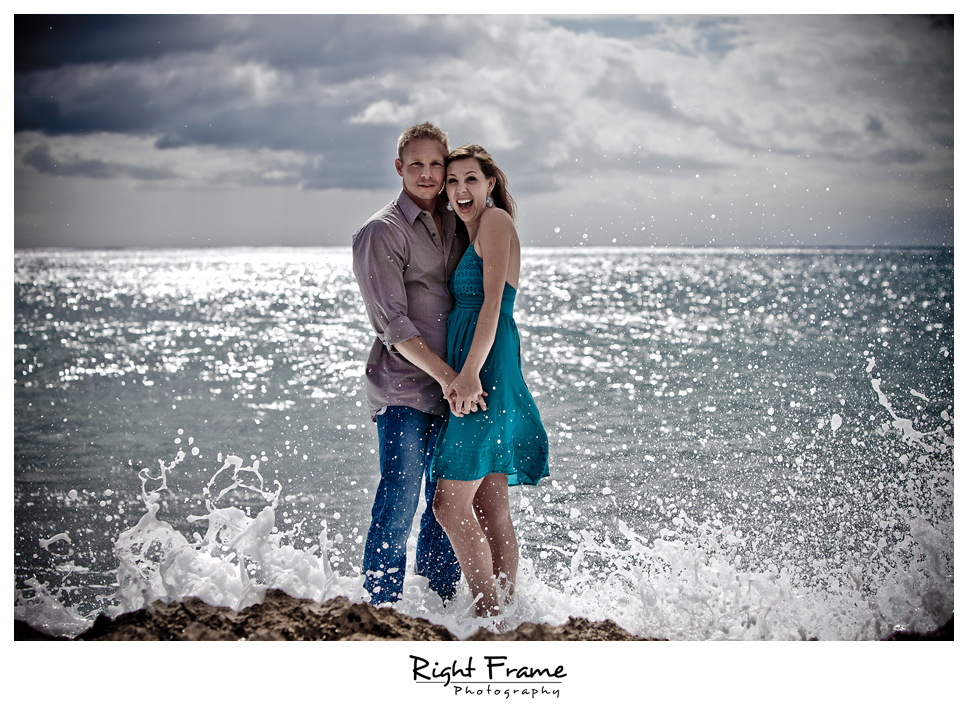 068_Oahu_engagement_photographers
