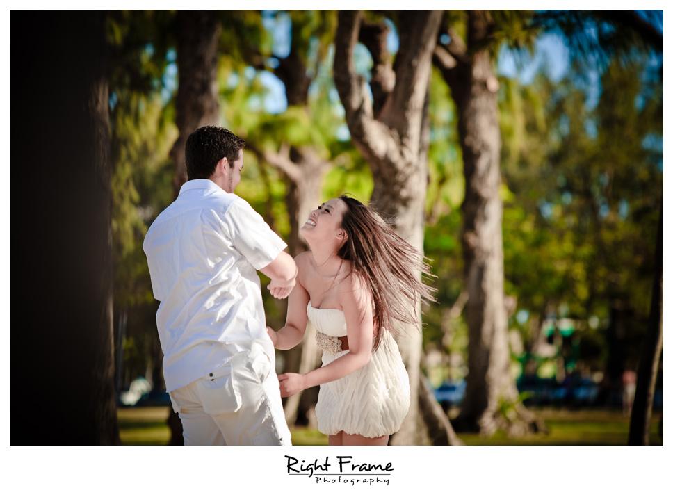 078_Oahu_engagement_photographers