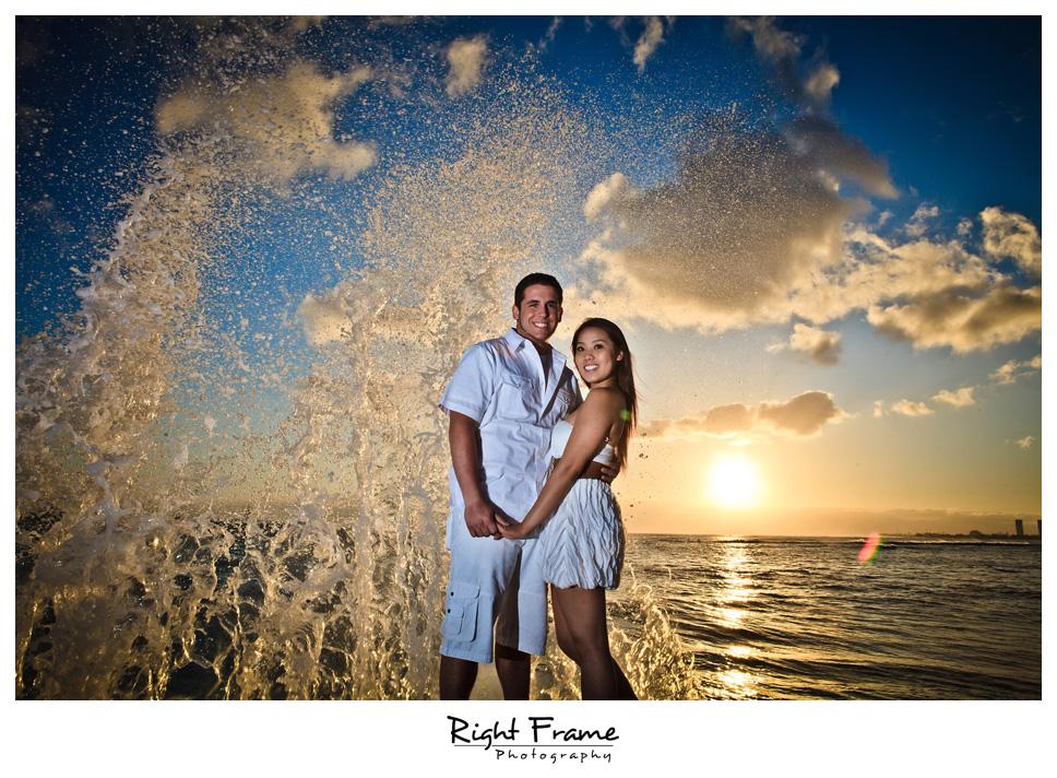 086_Oahu_engagement_photographers