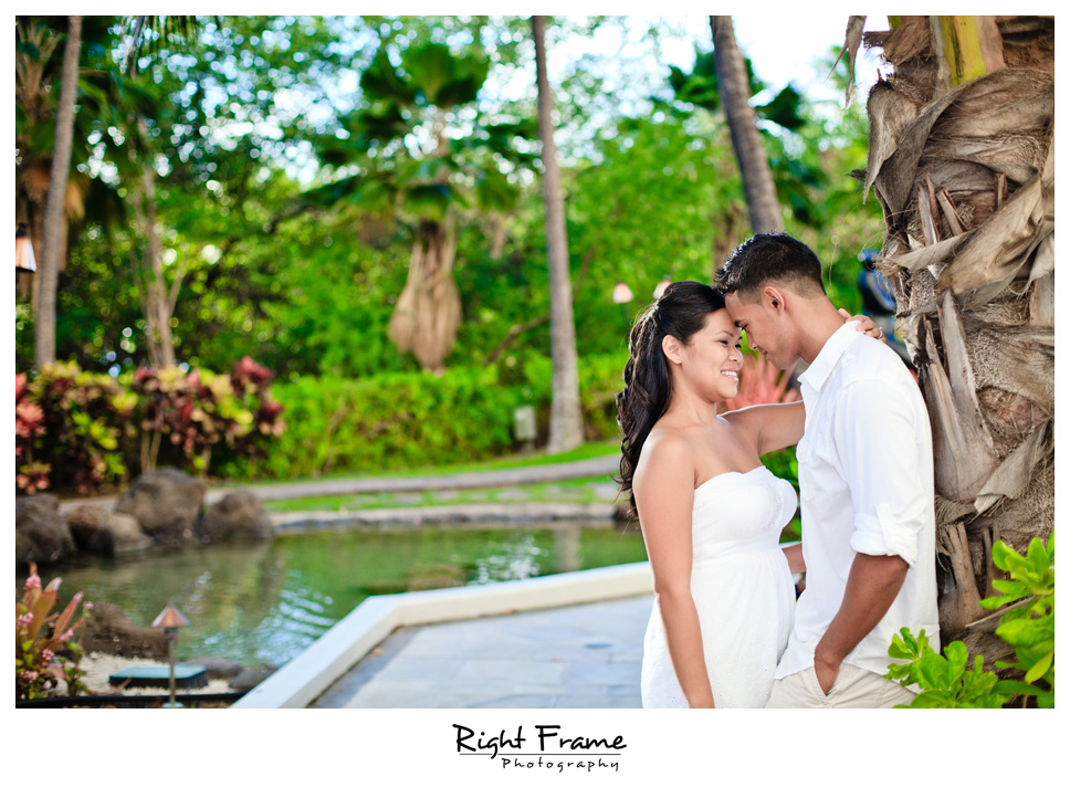 089_Oahu_engagement_photographers