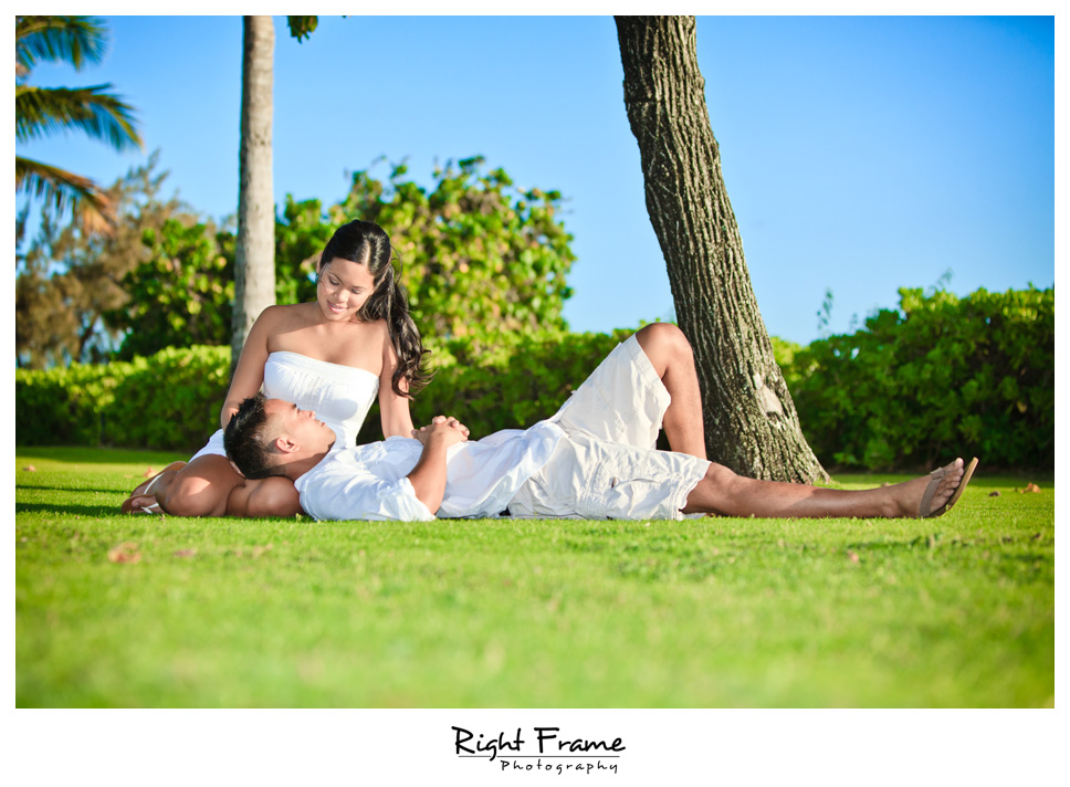 091_Oahu_engagement_photographers