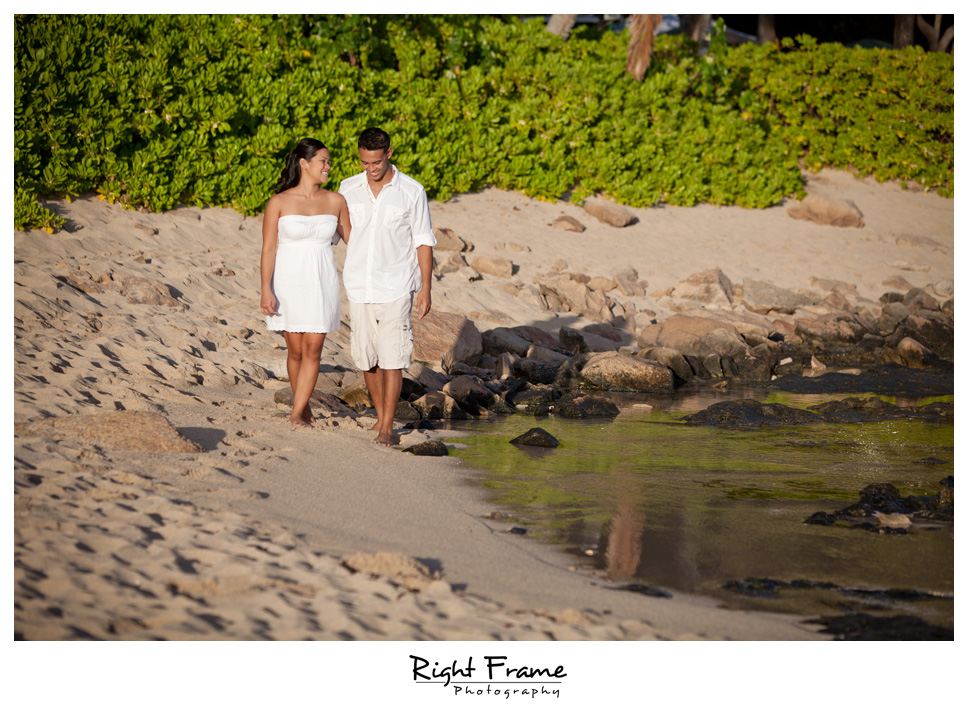 092_Oahu_engagement_photographers