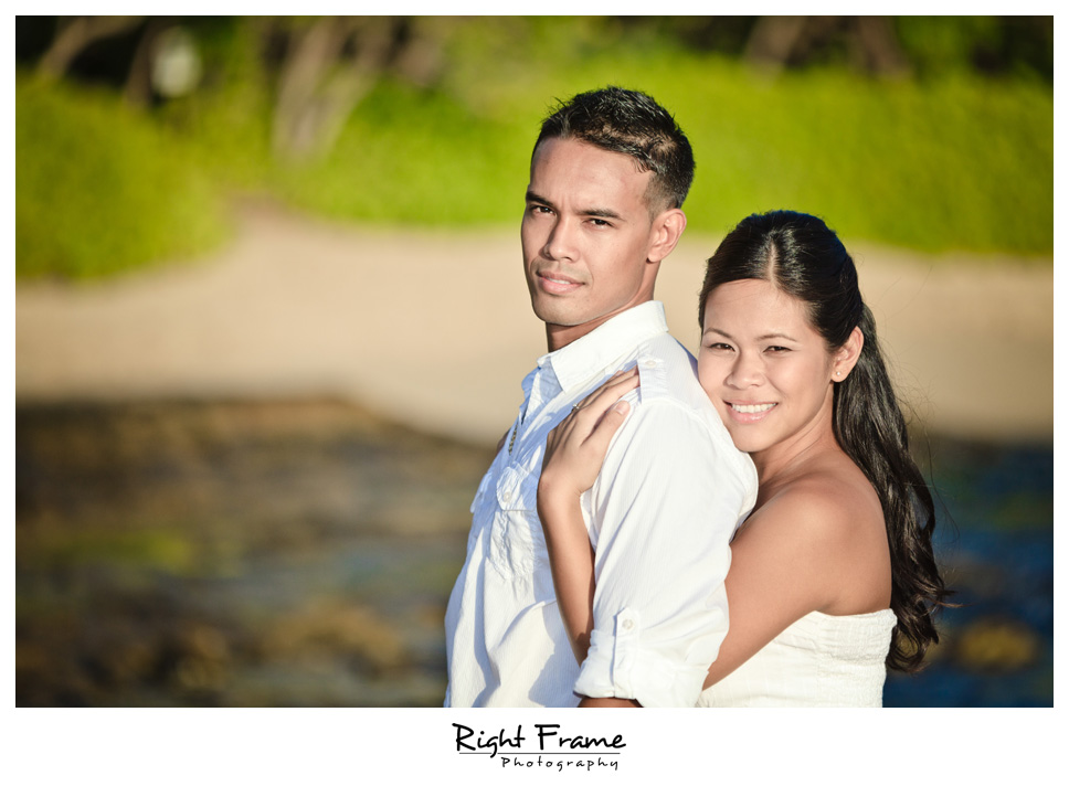 093_Oahu_engagement_photographers