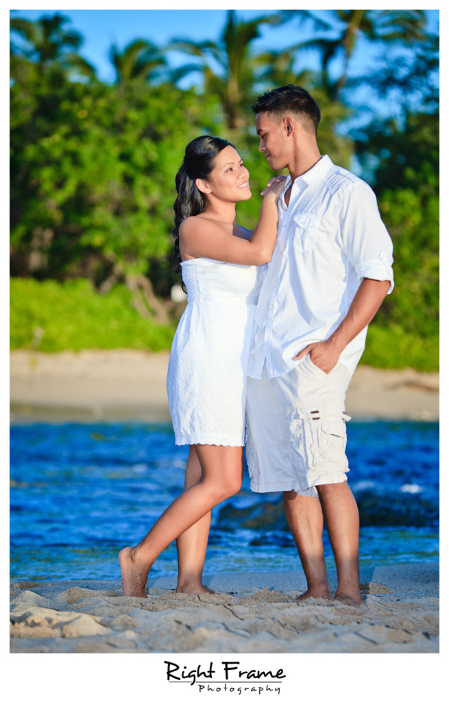 095_Oahu_engagement_photographers
