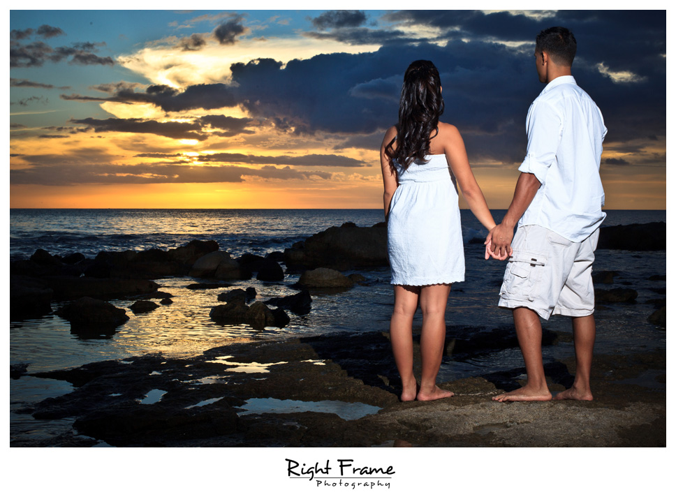098_Oahu_engagement_photographers