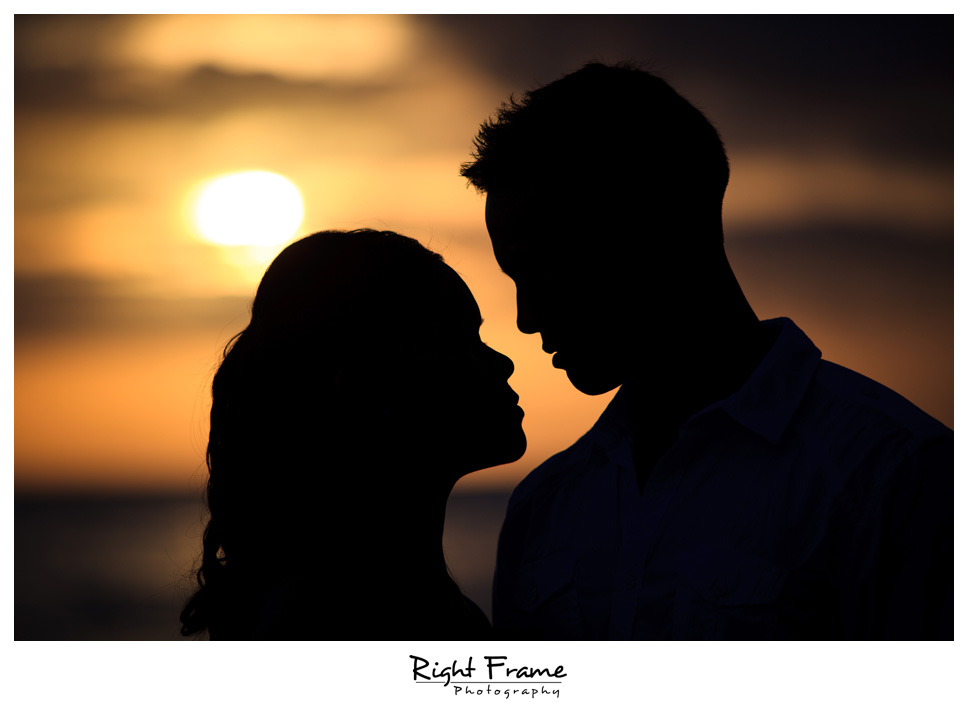 099_Oahu_engagement_photographers