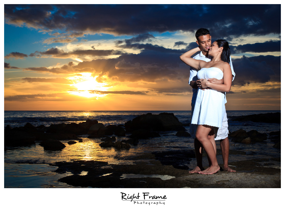 101_Oahu_engagement_photographers