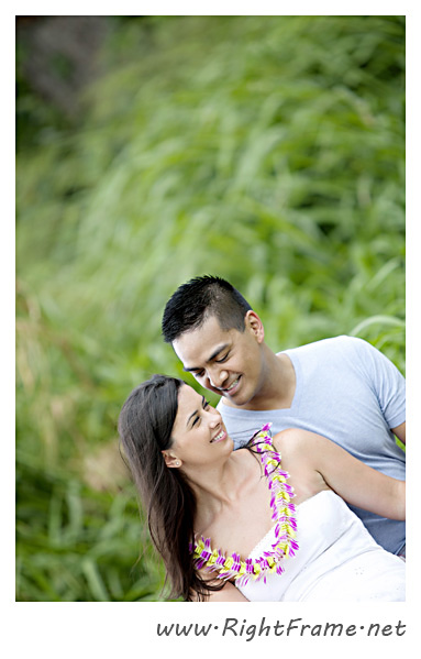 113_Oahu_Engagement_Photography_Kualoa_Regional_Beach_Park
