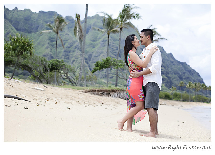 123_Oahu_Engagement_Photography_Kualoa_Regional_Beach_Park