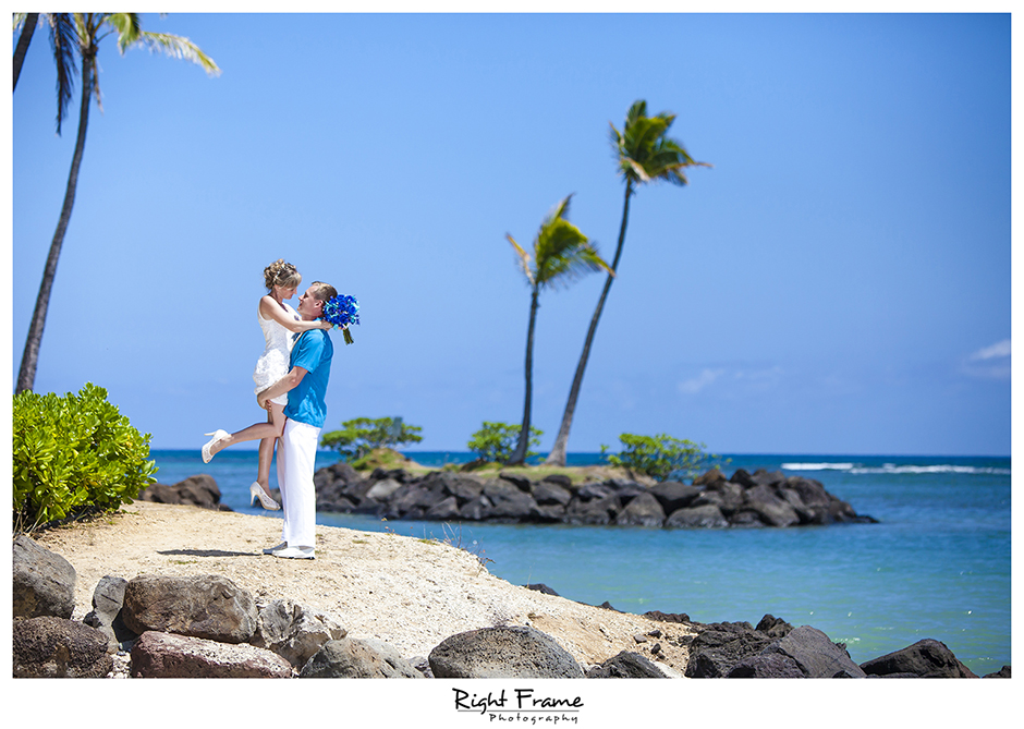004_Oahu_wedding_photographers_Kahala_Beach
