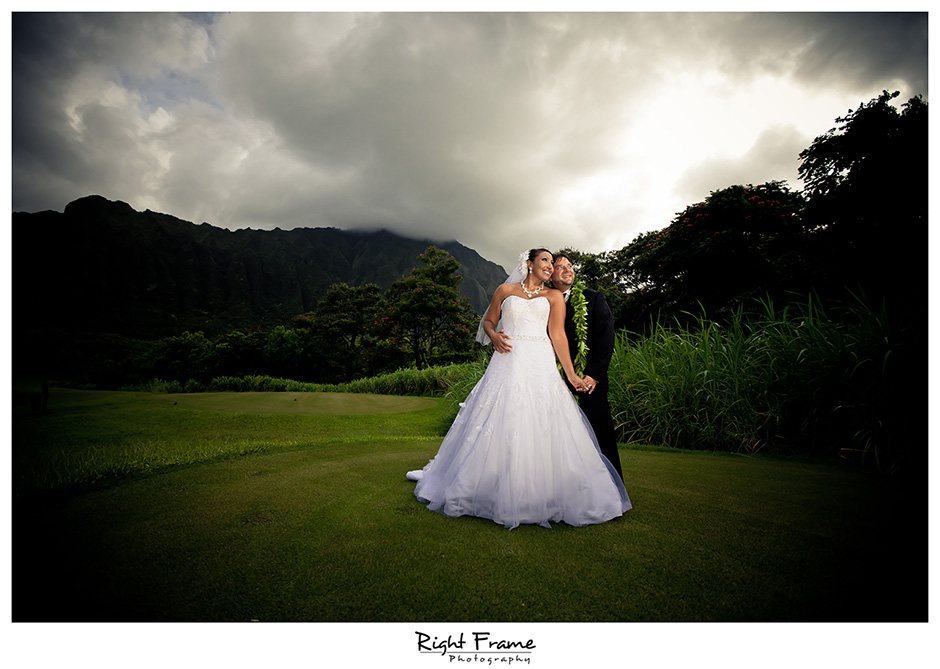 037_Honolulu_wedding_photographers_Oahu_Koolau_Ballrooms