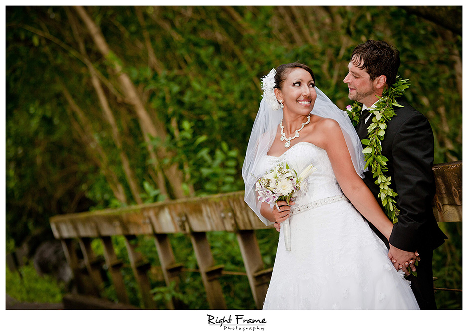 039_Honolulu_wedding_photographers_Oahu_Koolau_Ballrooms