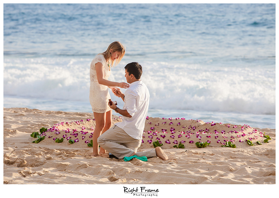 008_oahu engagement photographer