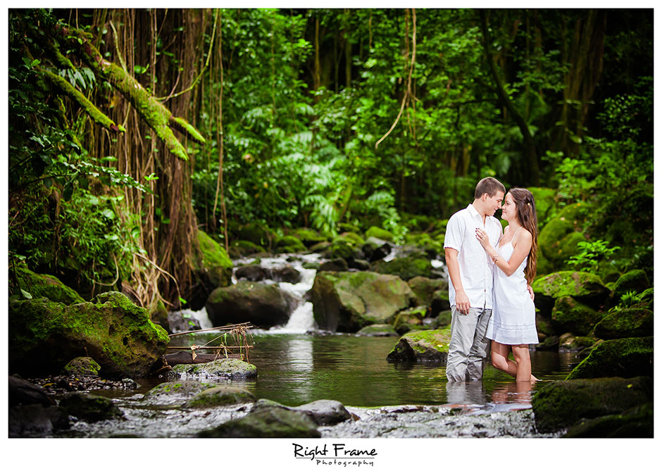 010_Oahu Engagement Photographers