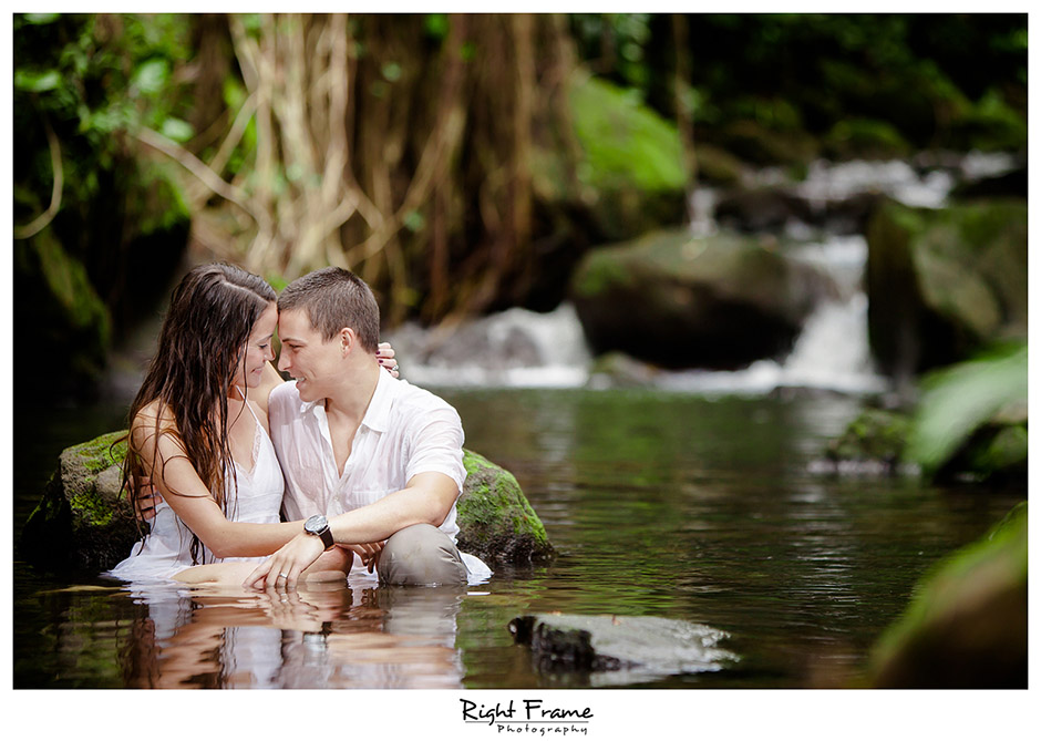 Oahu Engagement Photographers Nicole By Right Frame