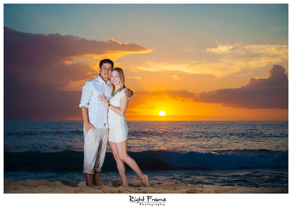 021_oahu engagement photographer