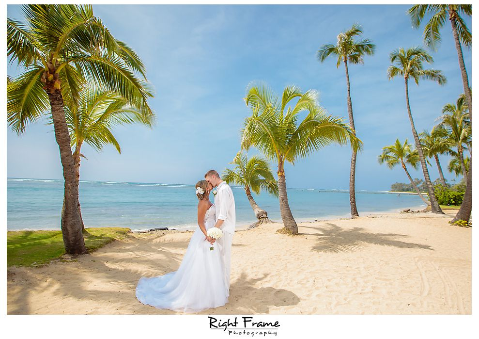 109_Kahala Beach Wedding oahu photographer
