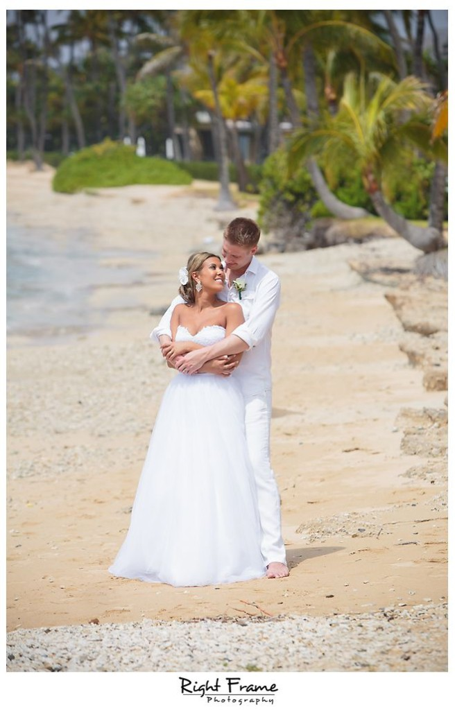 117_Kahala Beach Wedding oahu photographer