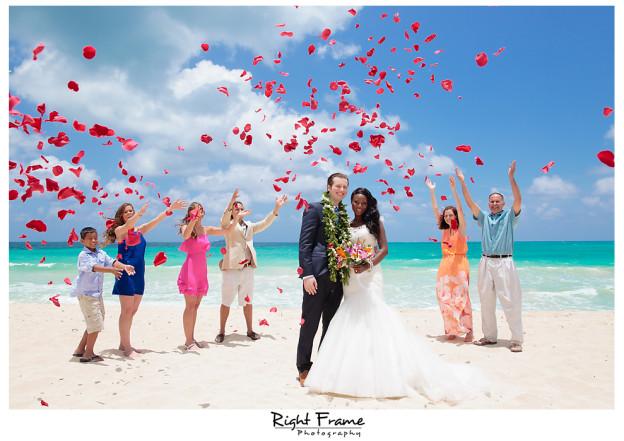 Hawaii destination wedding oahu by right frame 001hawaii destination wedding junglespirit Image collections