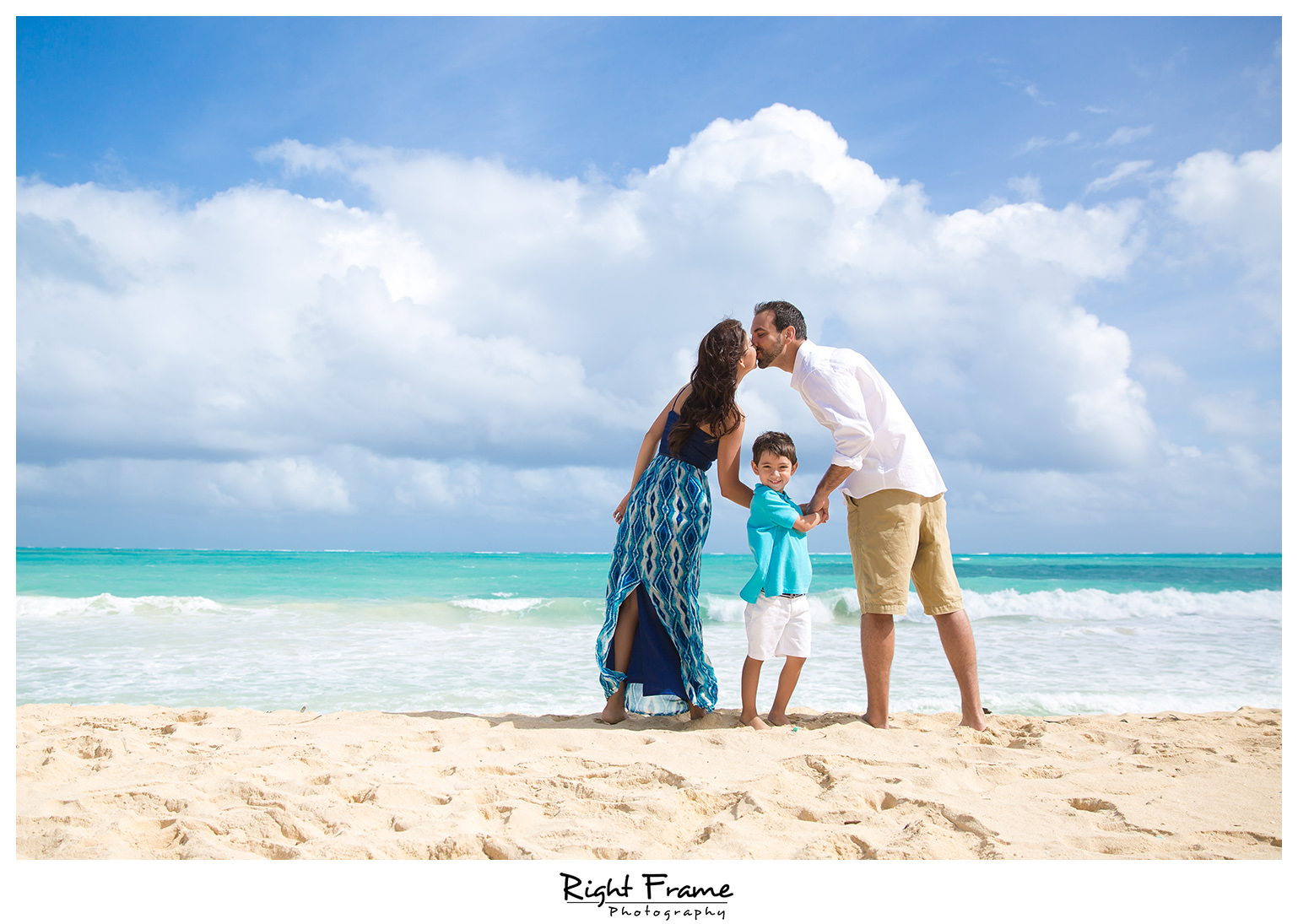 Beach Wedding Ceremony Oahu: Oahu Hawaii Family Photography By RIGHT FRAME PHOTOGRAPHY