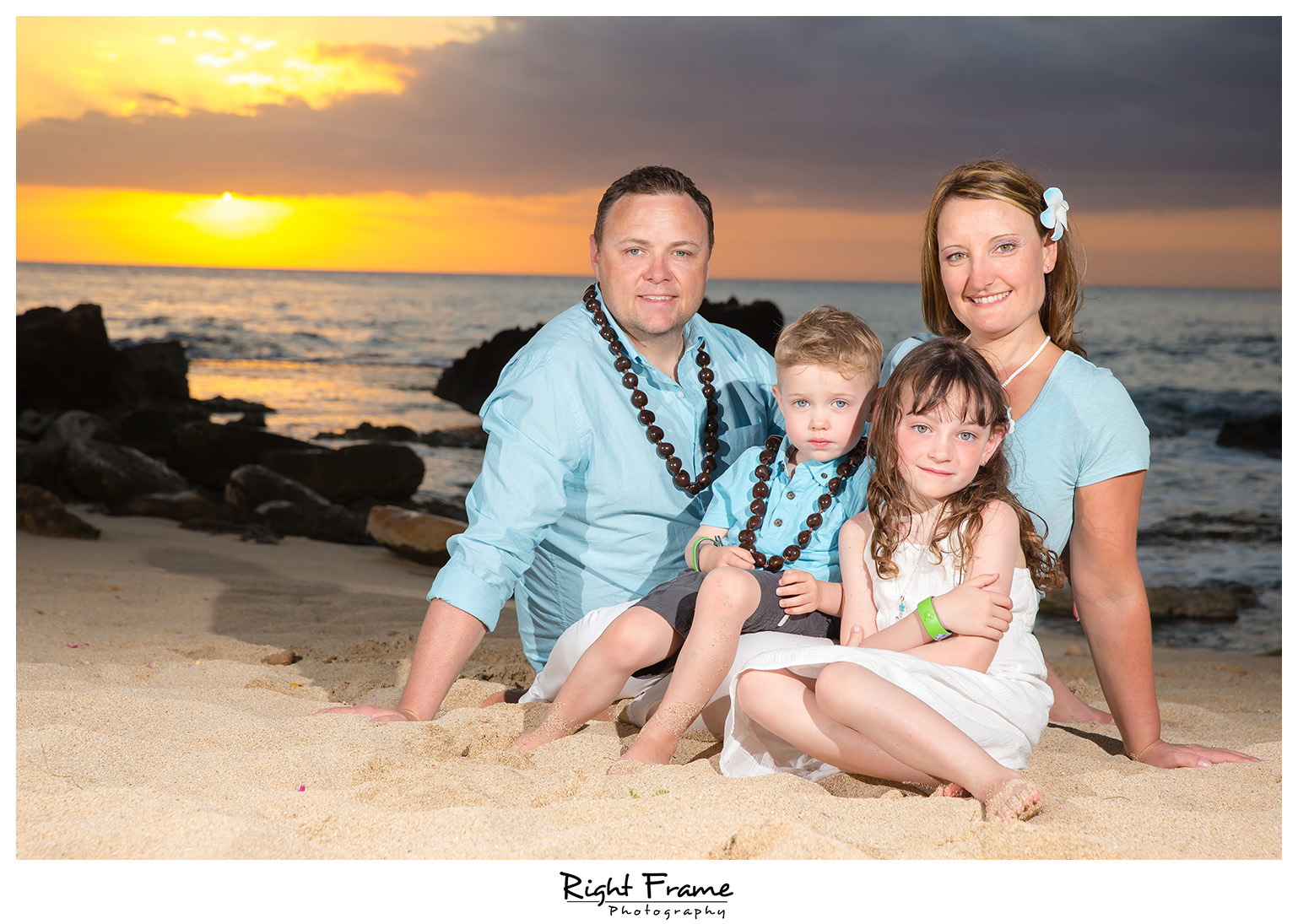 Beautiful Sunset Family Beach Session at Ko'Olina