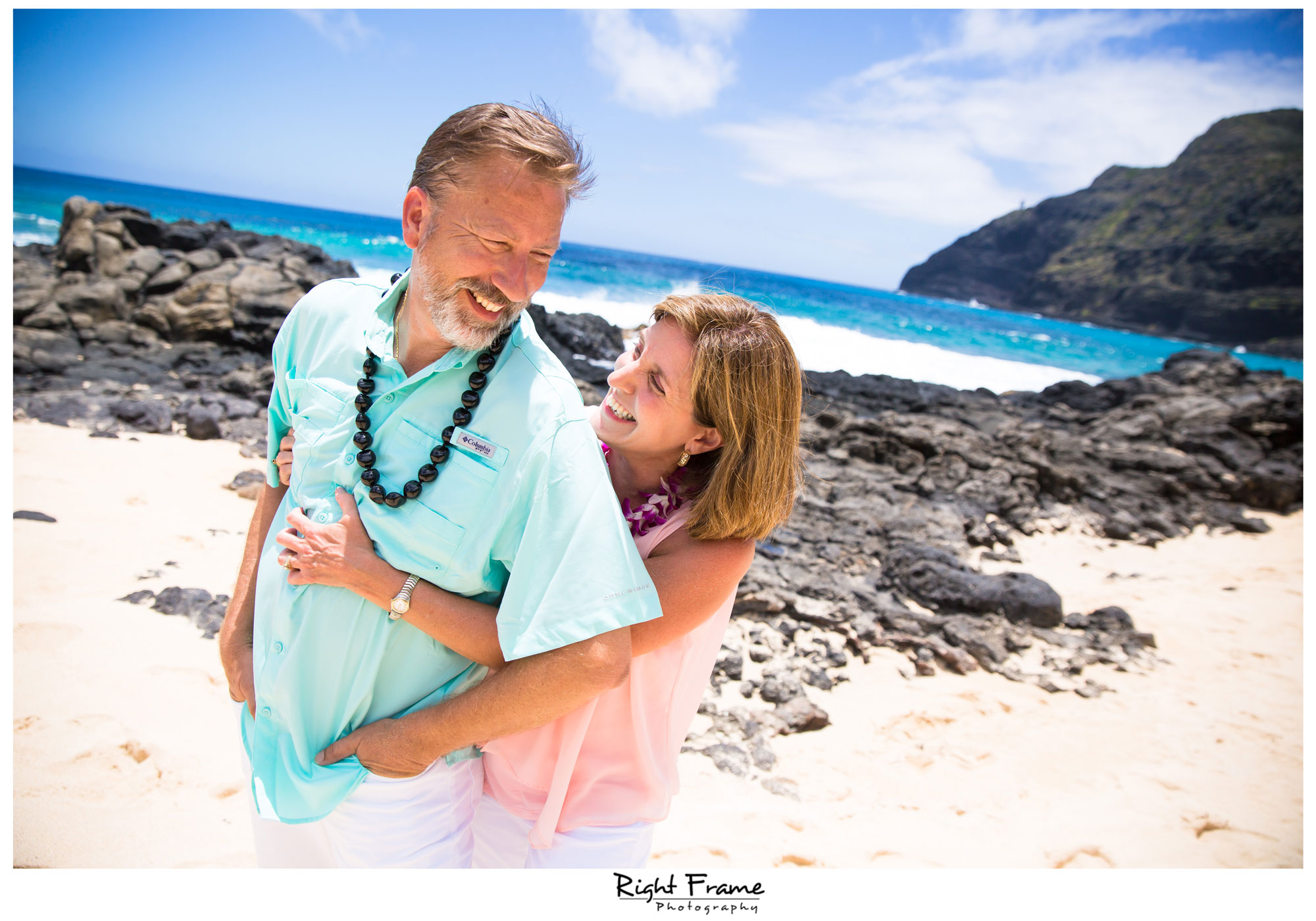 Family Photographer in Hawaii Oahu by Right Frame