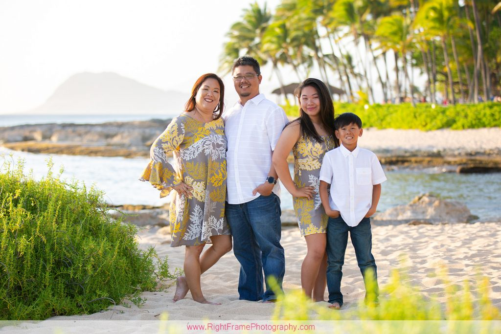Christmas Family Photo Shoot in Oahu