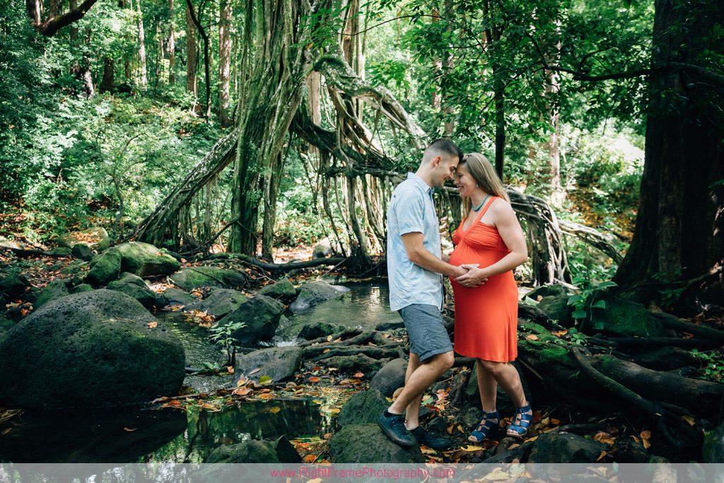 Maternity Photographer Honolulu Nuuanu Judd Trail