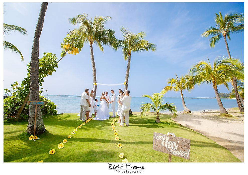 105 Kahala Beach Wedding Oahu Photographer